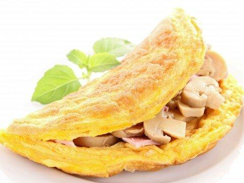 Trứng cuộn nấm và thịt hun khói