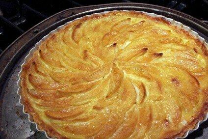 banh-apple-custard-tart