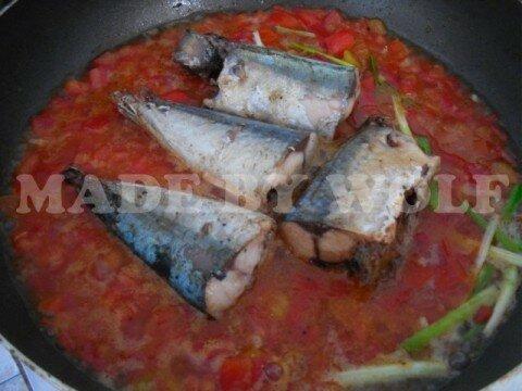 Cá nục kho cà 5
