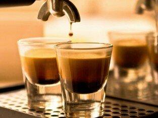 Thưởng thức Espresso cafe tại Banksy Studio