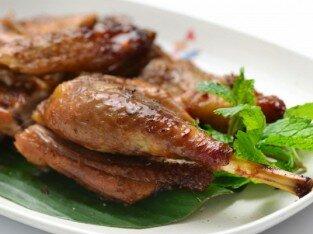 Gà nướng Khmer