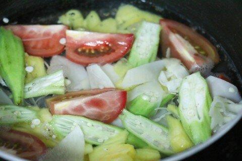 Canh măng chua chả cá 5
