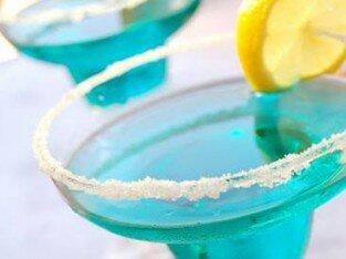 Cocktail Blue Magarita mát lạnh ở Cliché Café