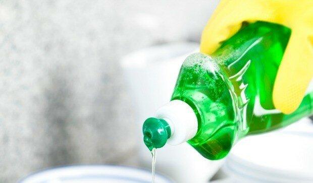 Khám phá 10 công dụng khác của nước rửa chén