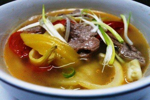 Canh thịt bò nấu dưa chua