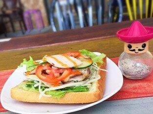 Thưởng thức bánh mì theo phong cách mới tại AA