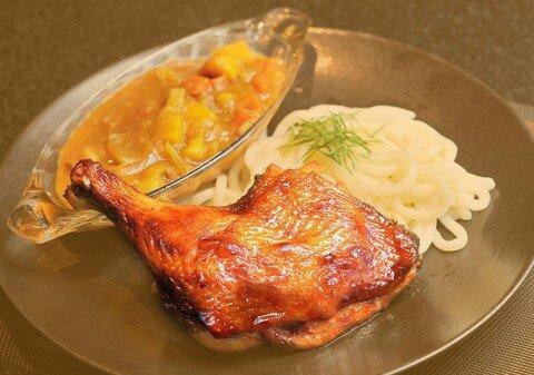 Đùi gà đút lò, cà ri Nhật và mì udon