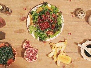 Salad cam lựu cho tiệc Giáng Sinh