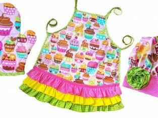 May bộ đồ bếp cho bé gái cực xinh