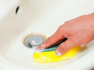 Mẹo hay vệ sinh bồn rửa bằng sứ sạch bong, sáng bóng