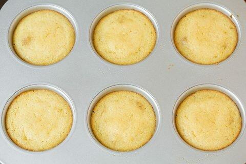 Banh cupcake 1